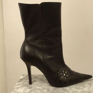Steve Madden Leather Pointy Toe Bootties